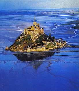 Mont-Saint-Michel-avillion